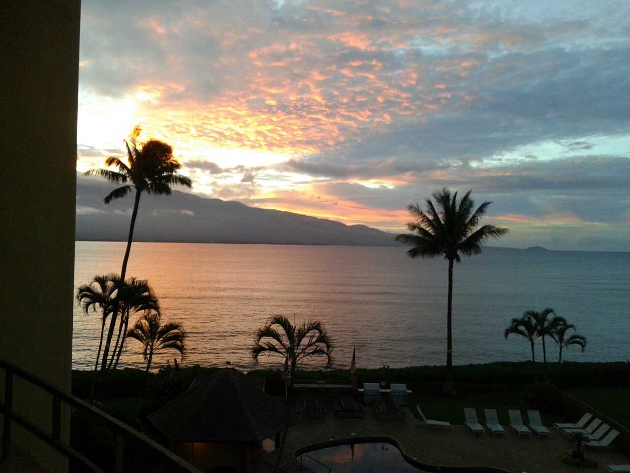 Enjoy epic sunsets of Maalaea Bay