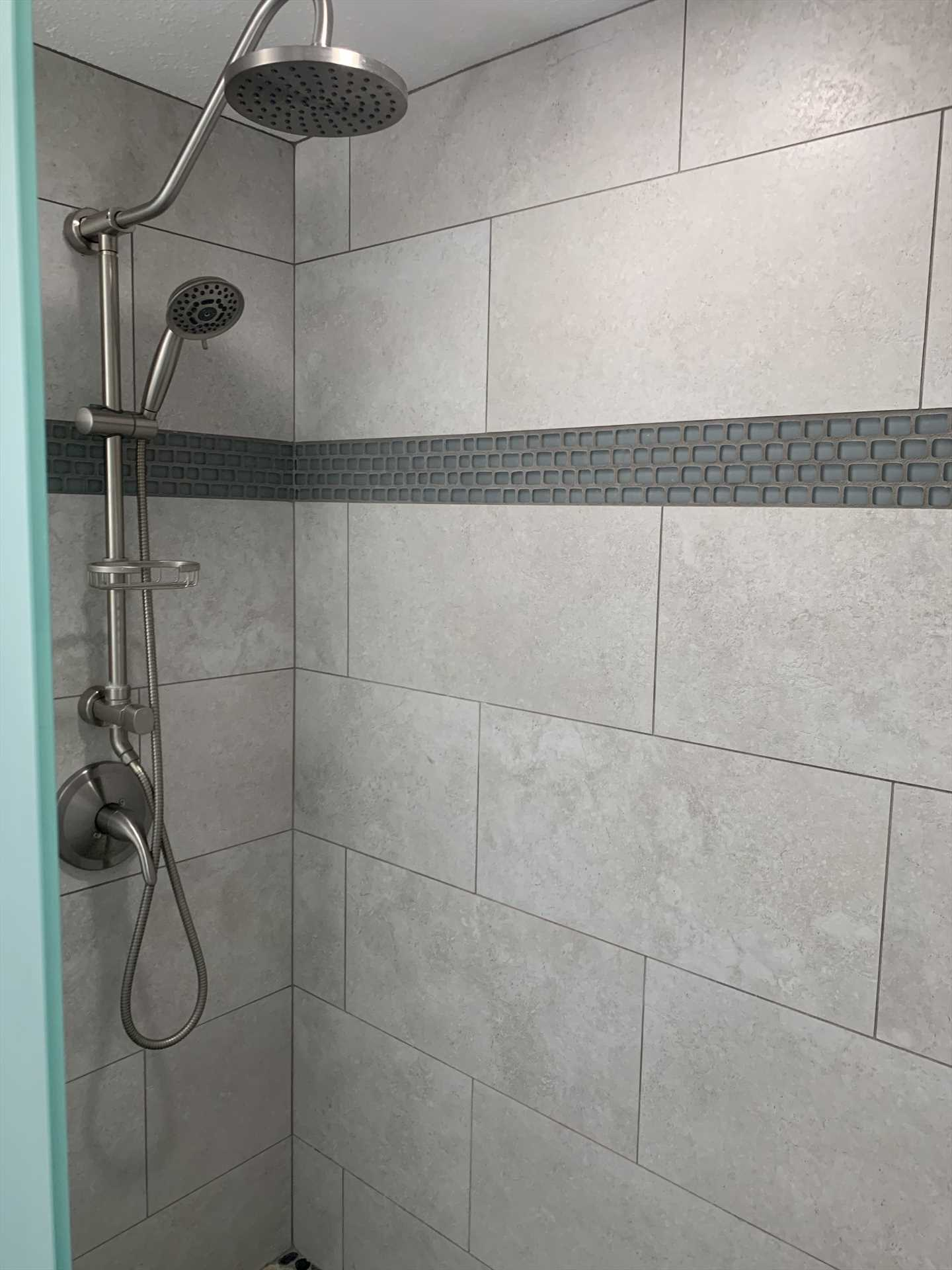 Walk-in shower with bench and removable showerhead