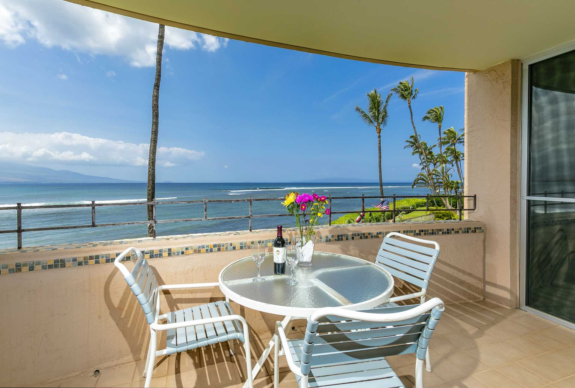 Enjoy oceanfront dining from your private lanai