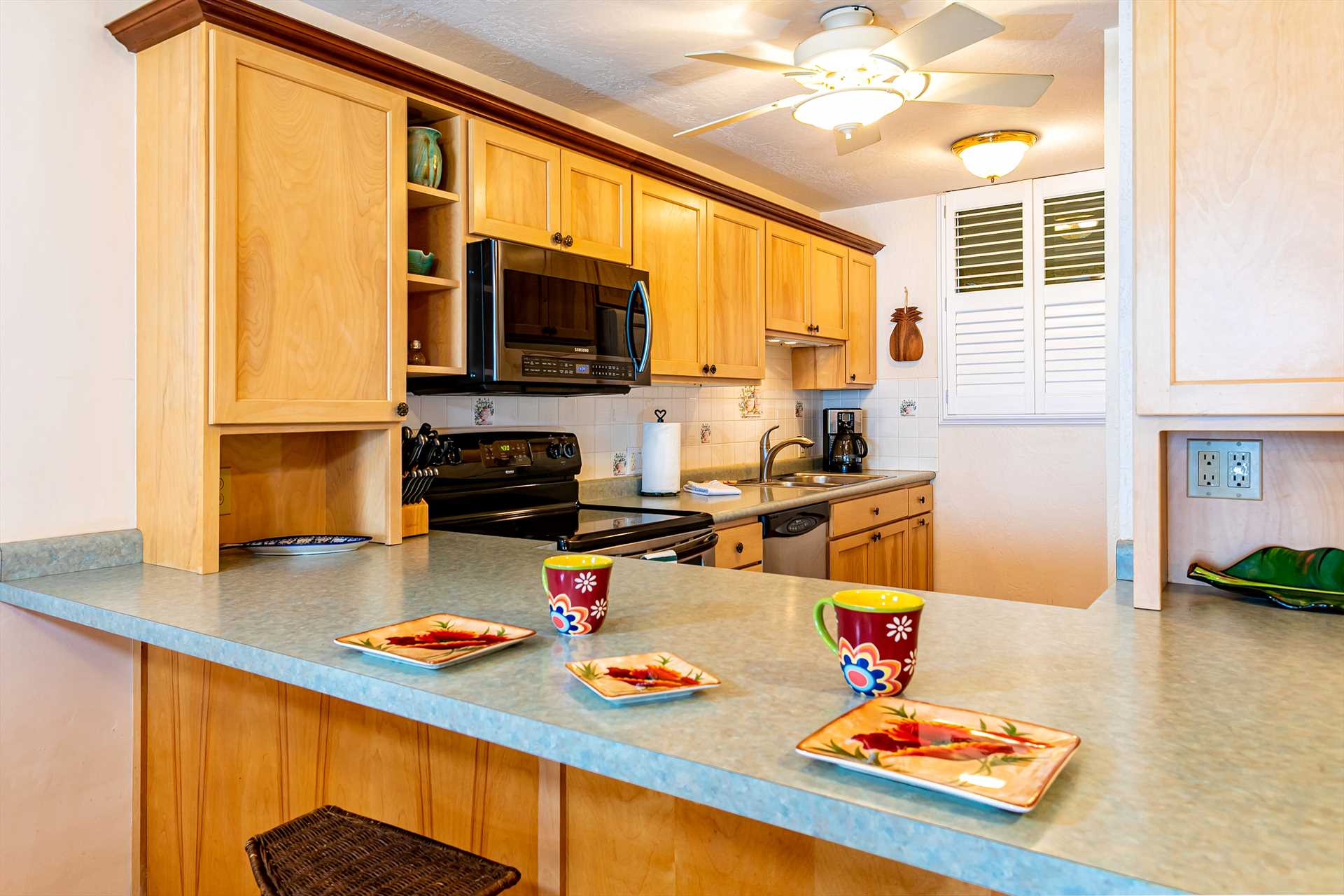 Well-appointed kitchen to make your meals